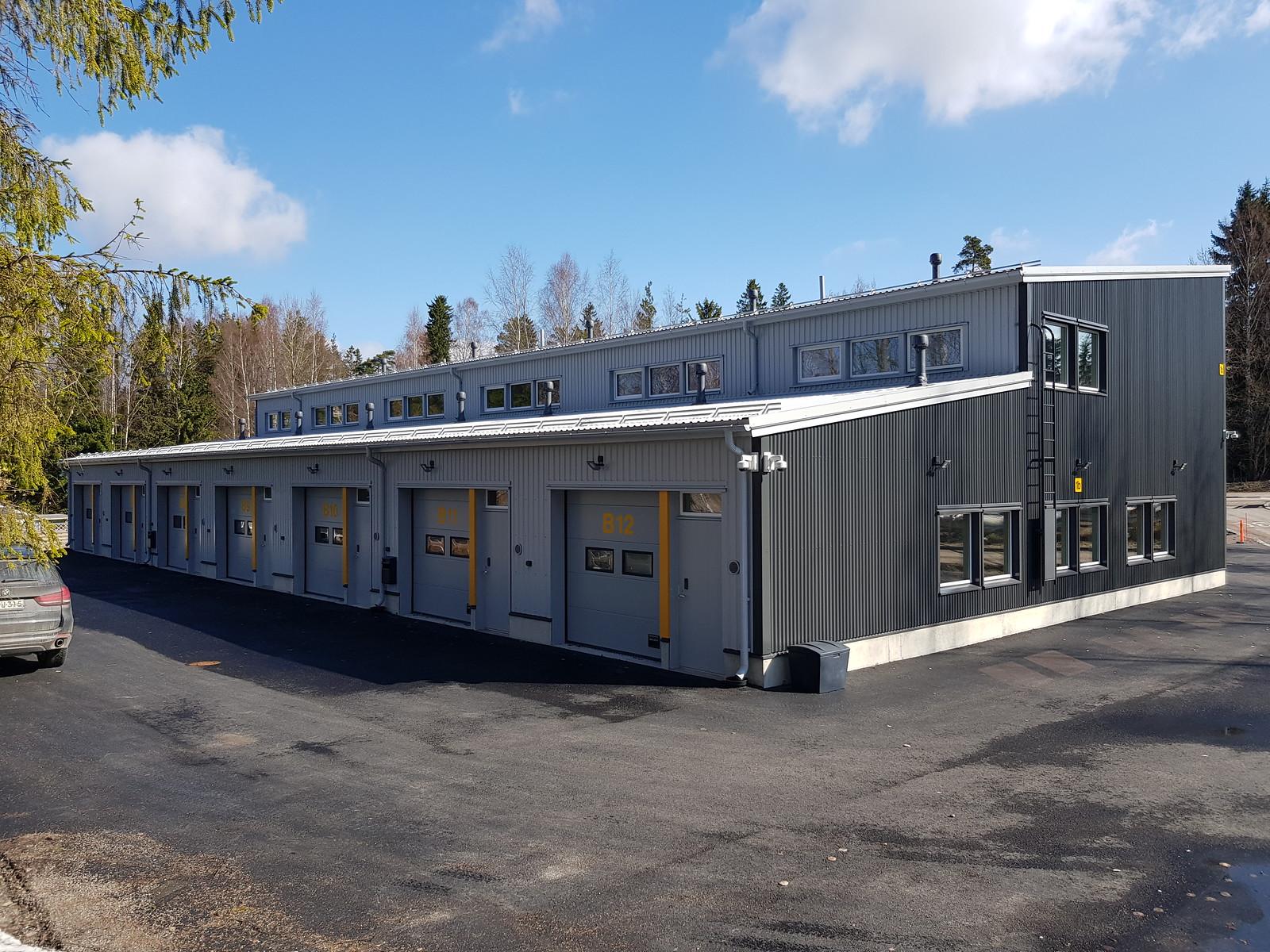 Uusi huoria ruskeaverikkö lähellä Vantaa
